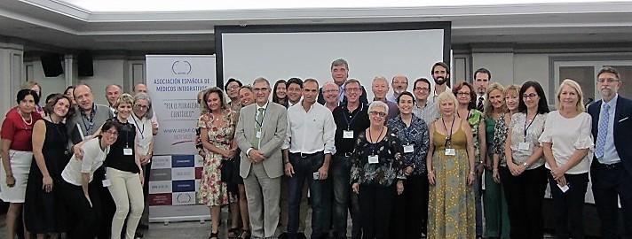 Medicina integrativa para humanos y animales en el último congreso de la AESMI