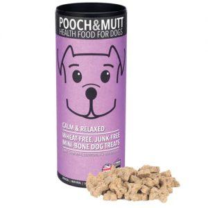 Los snacks de Pooch & Mutt son producidos de manera ética y con acreditación certificada de PETA (people for ethical tratament animal ) Mini Snack de cordero, para perros que necesitan relajarse. Contiene manzanilla, Lavanda, L triptófano. Sin conservantes artificiales, sin gluten. Ideal tanto en situaciones estresantes como para irse a dormir. Más información :https://herbolariosoldeinvierno.es/remedios-y-terapias-naturales-para-el-miedo-a-los-petardos/ Composición: Harina de avena, harina de arróz, cordero seco 10%, jugo de pollo, extracto de levadura, vitamina E 0,33% manzanilla 0,1% l-triptófano 0,1%, lavanda 0.1%
